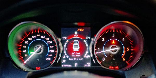jaguar-xf-interior-dials