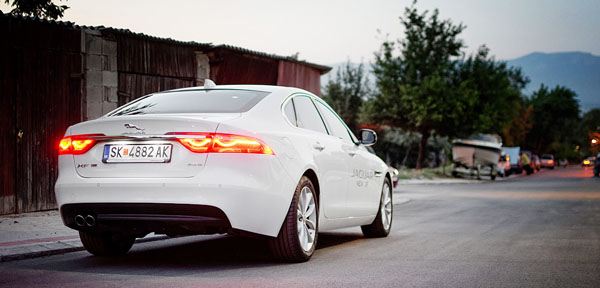 jaguar-xf-rear2