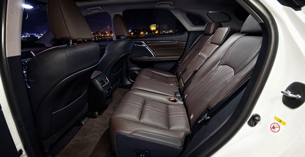 lexus-rx450-carclub-interior-rear