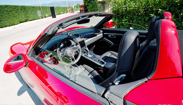 porsche-718-cayman-s-carclub-interior