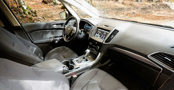 ford-s-max-carclub-interior-front