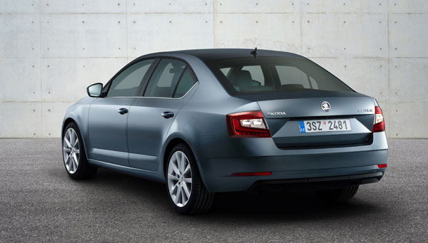 skoda-octavia-facelift-rear