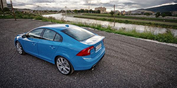 volvo-s60-polestar-carclub-rear