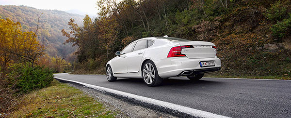 volvo-s90-rear