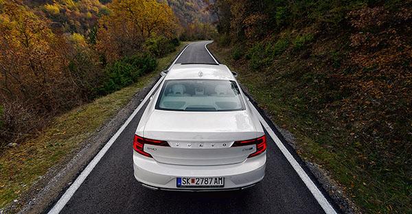 volvo-s90-rear4