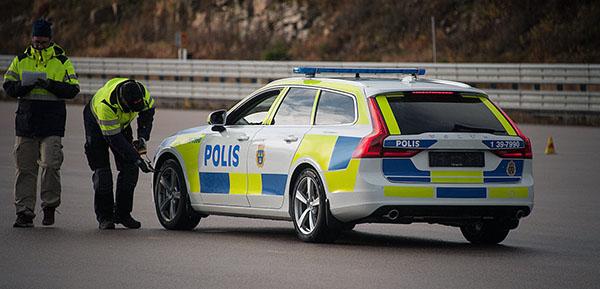 volvo-v90-police-car2
