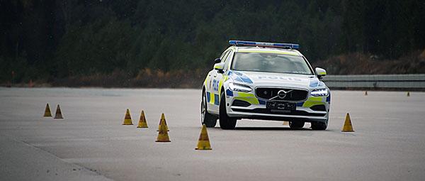 volvo-v90-police-car4
